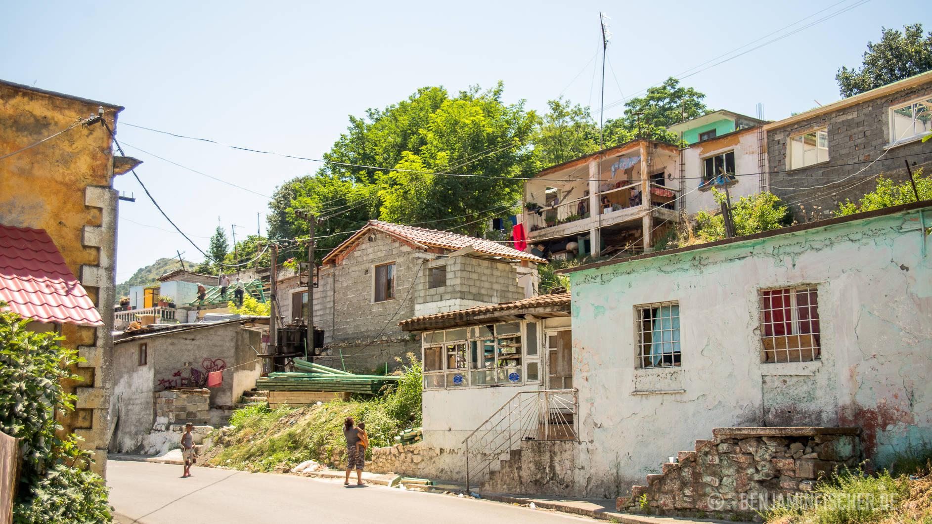 In einem Teil der Roma-Viertel der nordalbanischen Stadt Shkodër gibt es Steinhäuser.