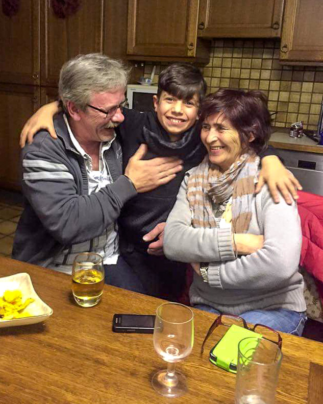Dominik mit Angelika und ihrem Mann kurz vor Abreise zurück nach Albanien